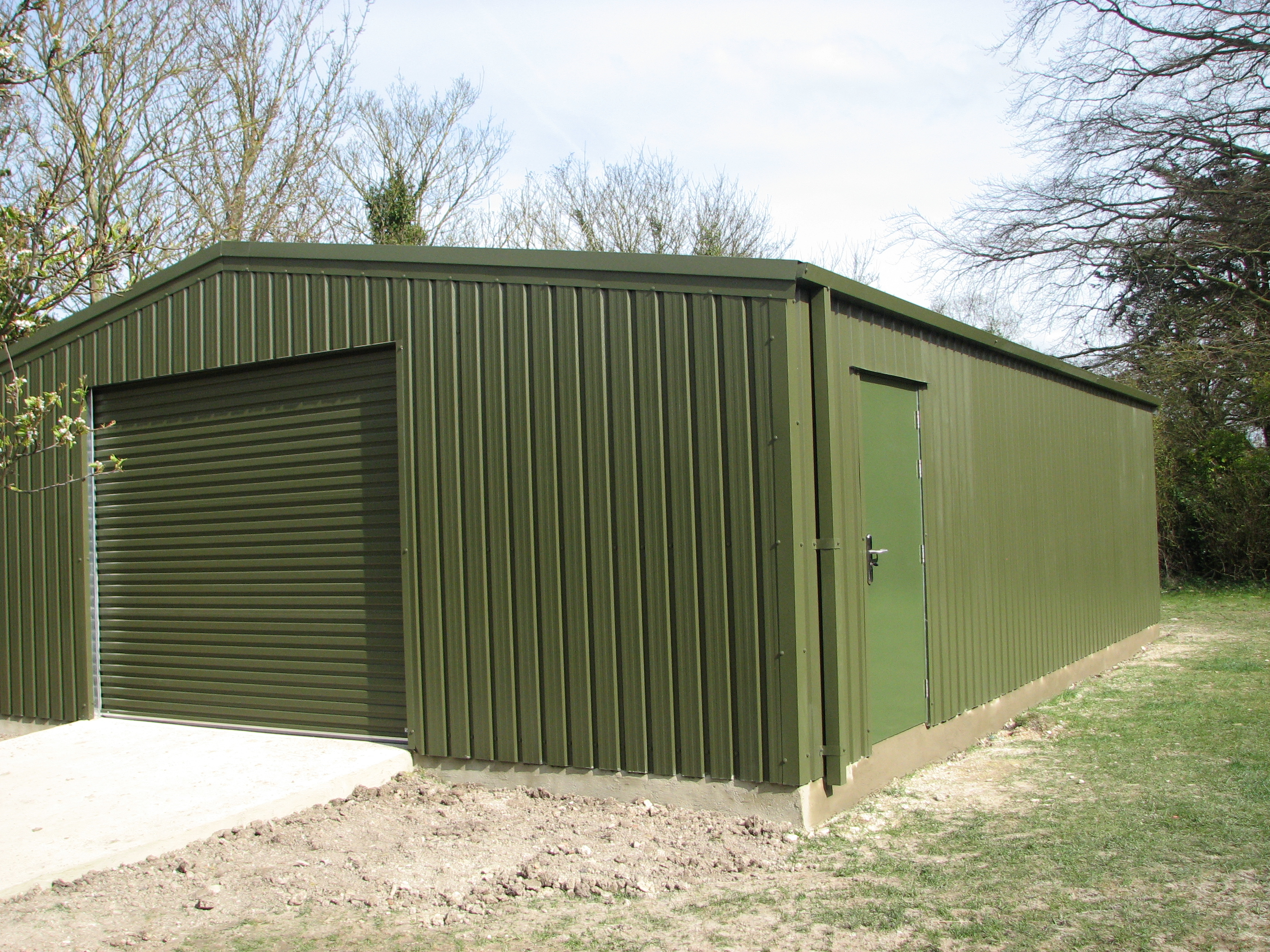 Steel Framed Sheds : Portal frames sharp and strong steel buildings